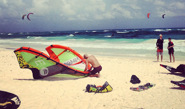 Kiteboarding in Tulum